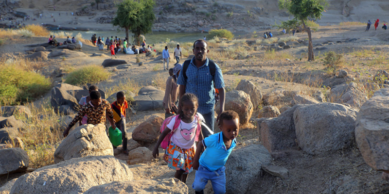 Ethiopian army to 'encircle and shell' Tigray city