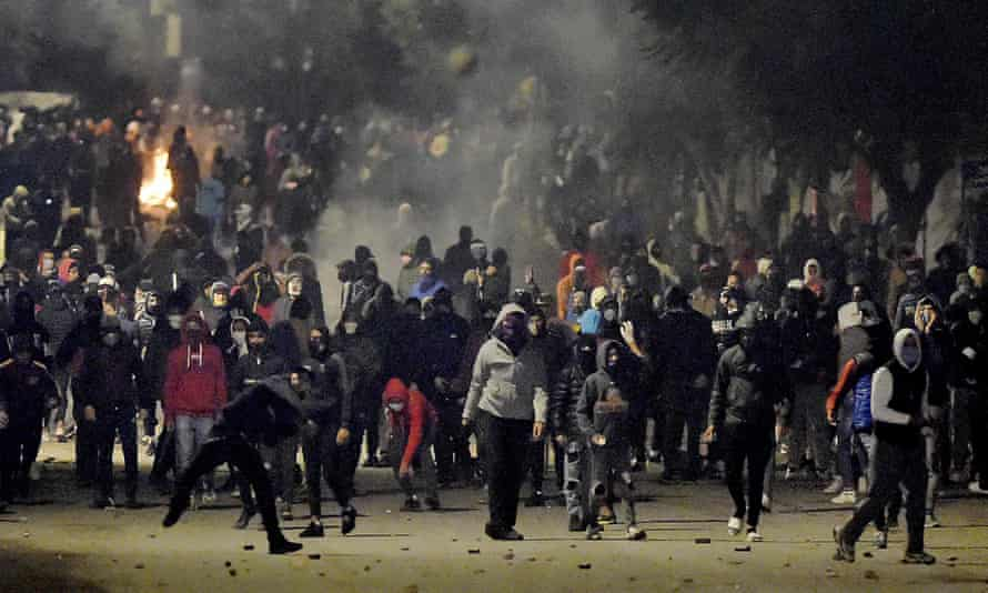 Tunisian protestors vow to continue uprising until whole system changes