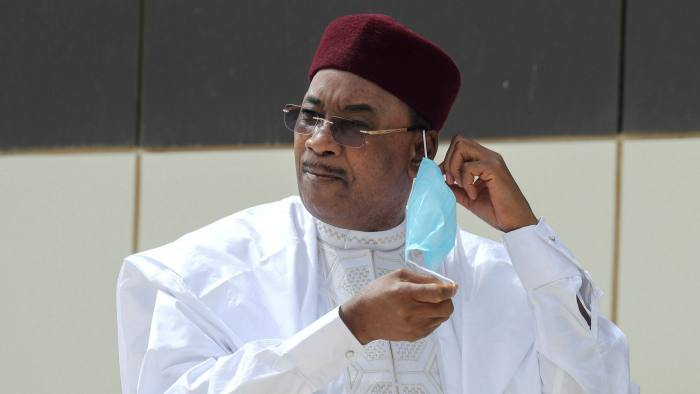 Niger's outgoing president wins Africa's top prize for leadership