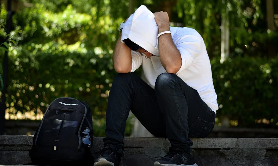 Expert says Covid pandemic has led to mental health crisis in Britain