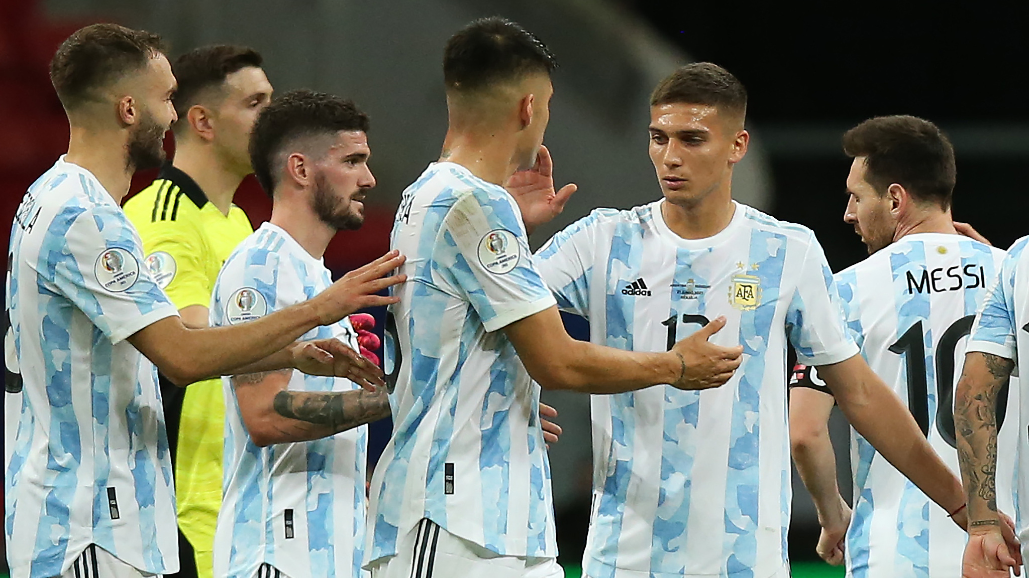 Argentina beat Paraguay to secure a place in Copa America knockout stage