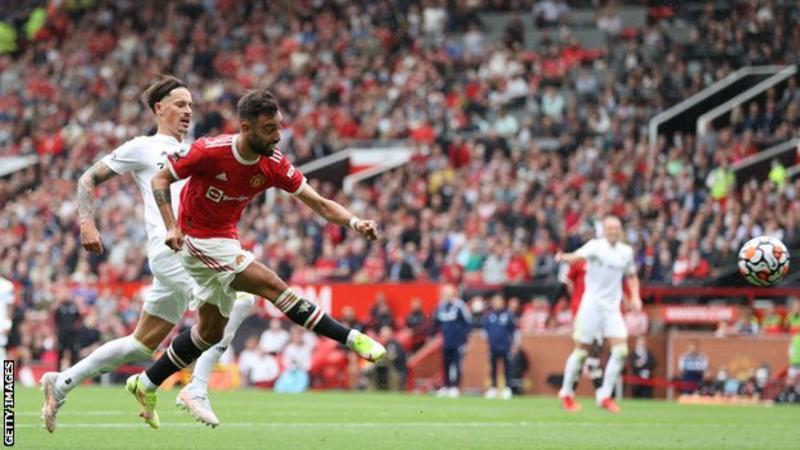Manchester United thrashes Leeds United 5-1 at Old Trafford